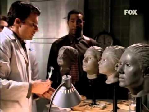 John Doe 1x13. Padre de Familia (Audio en castellano)