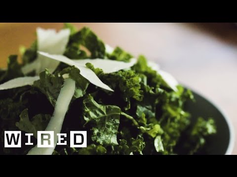 Make Kale Less Bitter by Massaging and Cutting ItBefore You Rinse