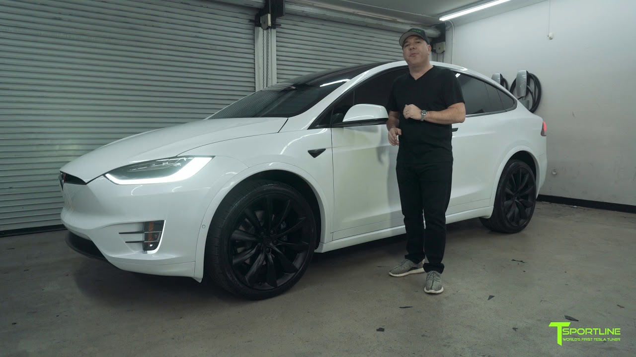 Tesla Model X Gets Customized With Painted Lower Plastic Trim And Chrome Delete