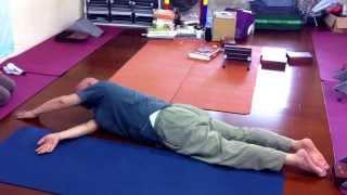 苦行老師教導如何將所有脊椎歸位方法,同時分享五十肩的自醫法 thumbnail