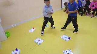 ESL flashcards game: using cups