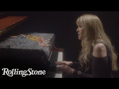 Stevie Nicks Performs Never-Before-Seen Version of 'Gypsy'