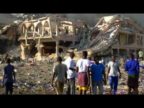 Dual car bombs kill at least 22 in Somalia's capital