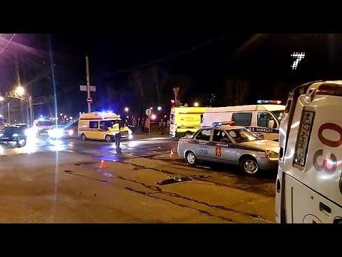 «Скорая» с пациентом перевернулась после тарана на перекрестке у Копылова