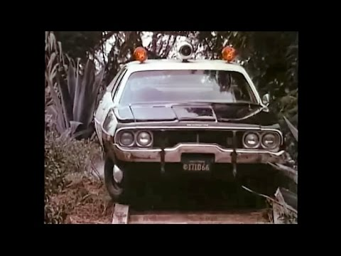 Early '70s Mopar squad car chases