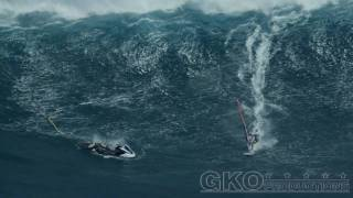 Peahi (Jaws) Extreme Jet Ski Wipeout, March 15th 2011