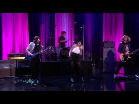 Selena Gomez   Naturally   Live performance on Ellen DeGeneres Show  merry christmas 2010 (HD 1080p)