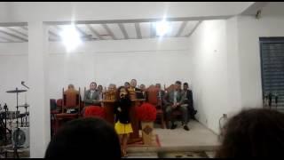 Baixar Andressa Dias cantando na igreja assembléia