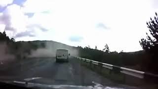 Жесткая Авария Фура без тормозов улетела в овраг Авария, аварий, аварии, ДТП Gro