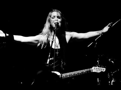 SARAH SMITH - Canadian Singer / Songwriter / Rocker