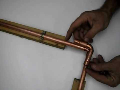 C mo cortar piezas para reparar fugas por agujeros en tubo for Como reparar la llave dela regadera