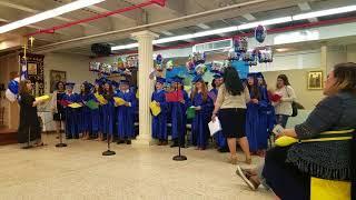 Τραγούδι των μαθητών της 6ης τάξης του Ελληνικού Σχολείου