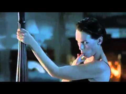 true lies, Jamie Lee Curtis in a very sensual dance looks happens