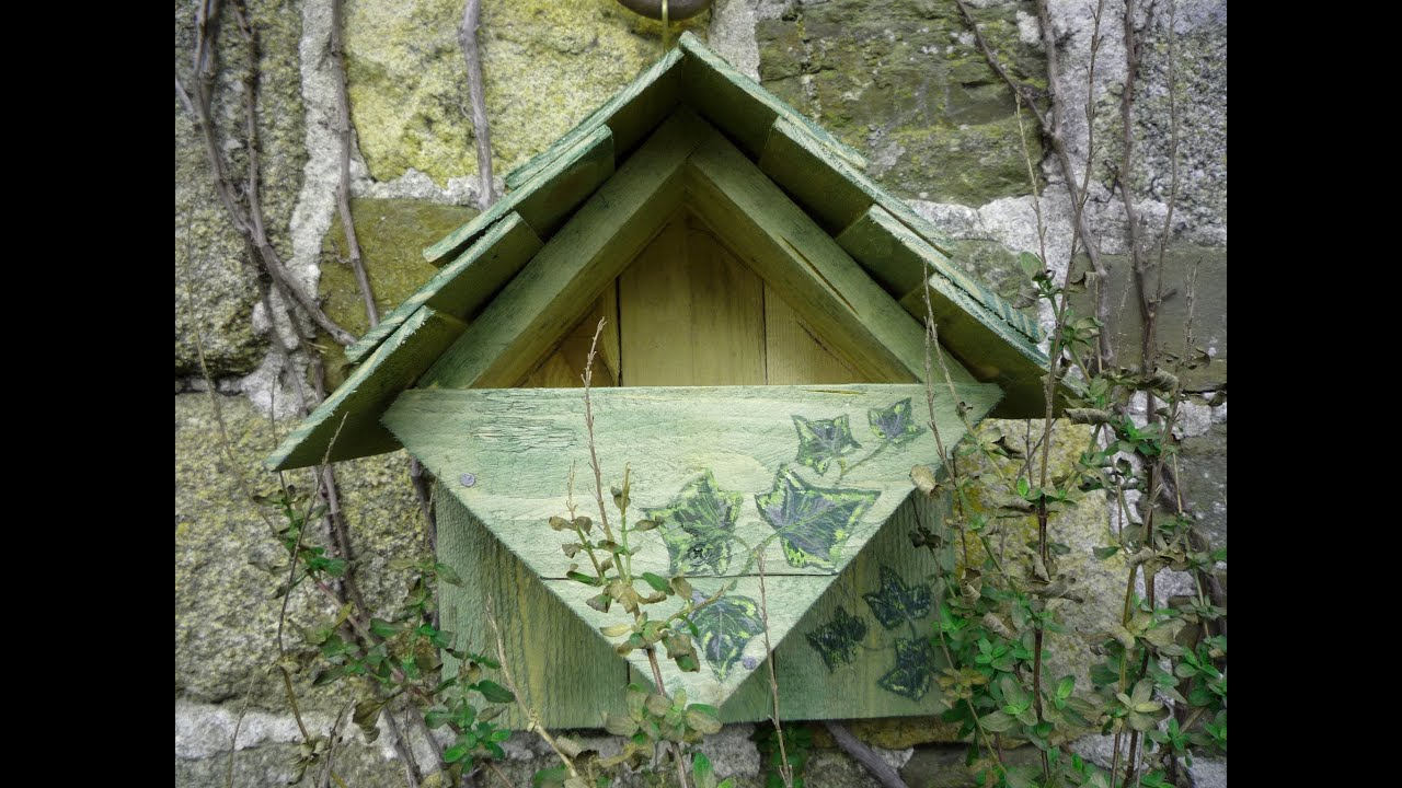 Home made repurposed wood nesting box bird house robin for How to make homemade bird houses