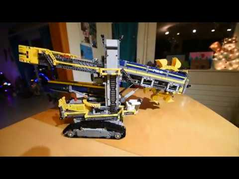 lego pellteuse godet technic 42055 youtube. Black Bedroom Furniture Sets. Home Design Ideas