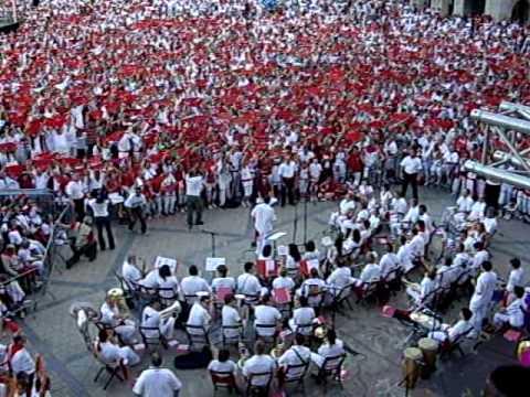 """Fêtes de Bayonne 2009 : Les choeurs d'ouverture chantent le """"Vino griego"""""""