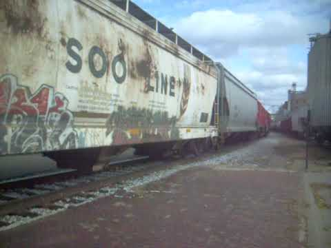 cp 4615+4617 shunt grain wagons at red wing