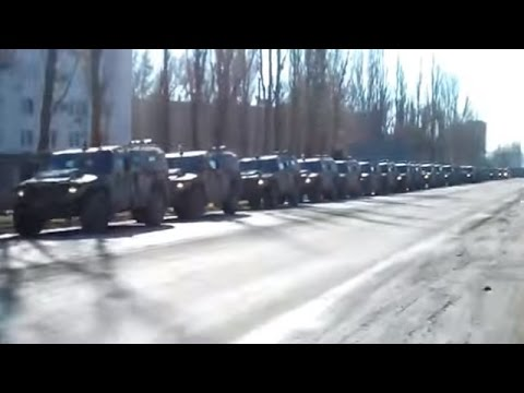 Ukraine War - Russian army equipment accumulates at the border of Crimea and Ukraine mainland
