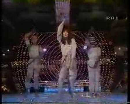 Kate Bush The Dreaming, on stage.