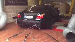 صوت رهيب من العشرة سلندر في البي إم دبليو إم BMW M5 e60