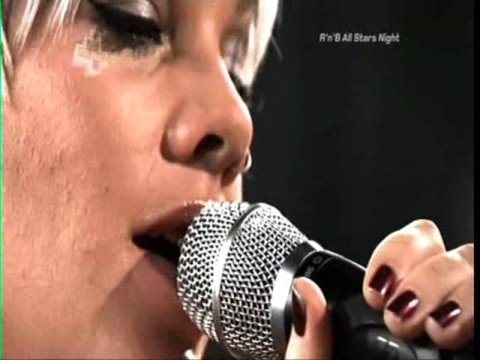 Pink - Please don't leave me (live@4music)