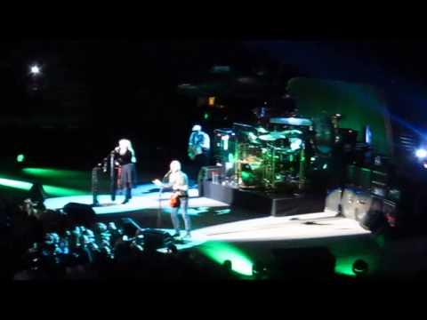 Tusk - Fleetwood Mac Live 4/8/13 Madison Square Garden New York City