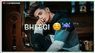 Bheegi bheegi sadko pe main WhatsApp status