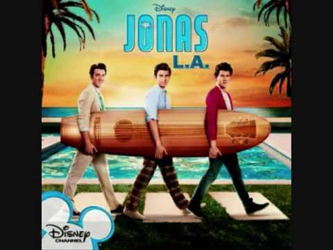 4.Jonas Brothers - Critical [Jonas L.A]
