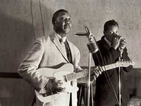 LIttle Walter+Muddy Waters Walkin On