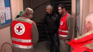 Solidarité : En immersion avec les bénévoles de la Croix-Rouge