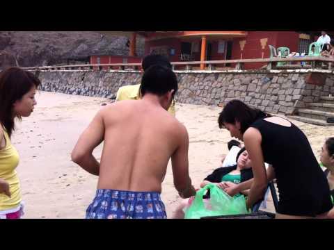 Tắm biển ở bãi Ô Quắn - Vũng Tàu