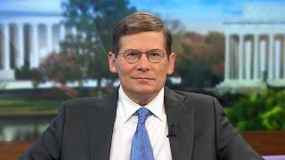 Former intelligence officials criticize Trump