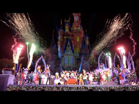 Magic Everywhere At Mickey's Very Merry Christmas Party!!