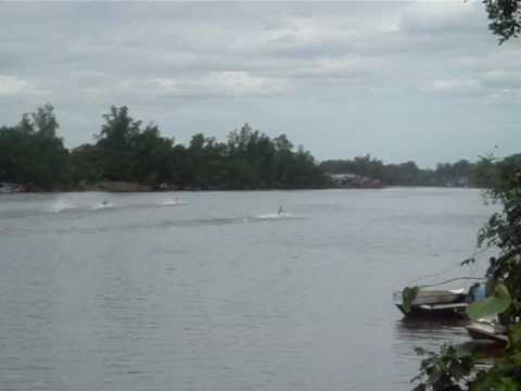 Loang Tail Boat Racing Sangasanga, Indonesia.MPG