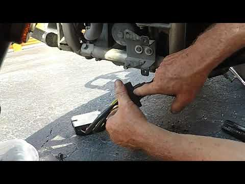 2009 Kawasaki Vulcan 900 Custom - Ricks Hot Shot Rectifier Regulator Install