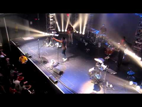 Childish Gambino (Live) @ Terminal 5 NYC (11-03-2011) - All The Shine