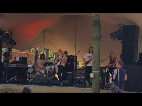 Amber Arcades, Here Comes the Summer HCTS 2016 Live 3 songs  Stortemelk - Vlieland