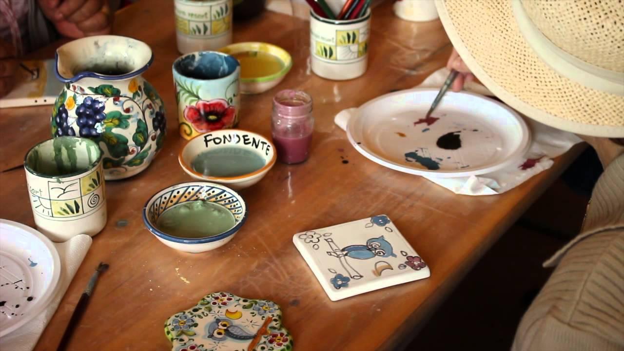 Interessante decorare tazze di ceramica dz81 pineglen for Decorazione ceramica