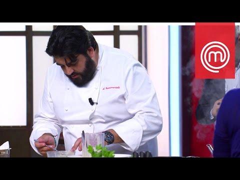 Cannavacciuolo cucina insieme ai concorrenti | Celebrity MasterChef Italia