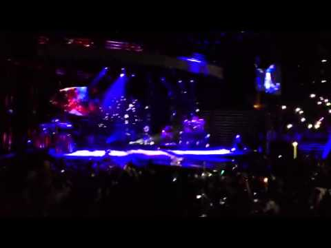 Download Nightingale - Demi Lovato (Live) Neon Lights Tour