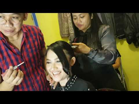 Lanjut Make Up Artis Arlida Putri