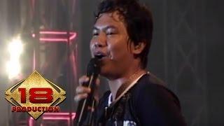 Video Wali - Emang Dasar (Live Konser Semarang 2 Oktober 2010) download MP3, 3GP, MP4, WEBM, AVI, FLV Agustus 2018
