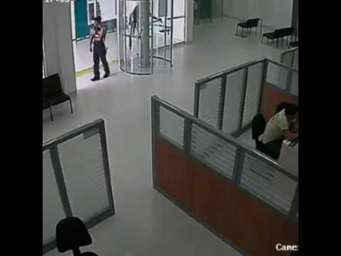 Attempted bank robbery and shootout in south africa