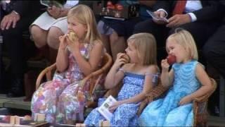 Prinselijk gezin bij Fruitcorso (2010)