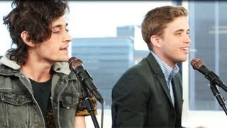 "THE SUMMER SET ""BOOMERANG"" ACOUSTIC PERFORMANCE AT CLEVVER MUSIC"