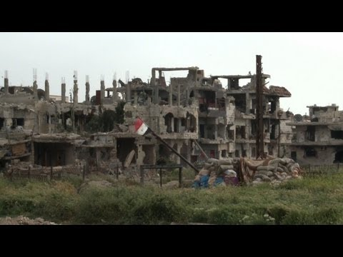 UN observers visit Syrian flashpoint city of Homs