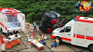 BRUDER CRASH Ambulance Mercedes Benz Sprinter Kids video