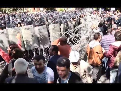Армения не хочет быть колонией России!,в Армении вспыхнули протесты против пророссийского Саргсяна