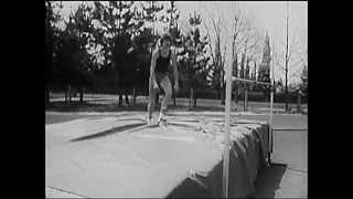 Прыжок в высоту способом фосбери-флоп(СоюзСпортФильм runnersclub.ru., 2014-12-30T21:22:45.000Z)