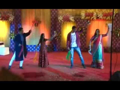 Sangeet- Chote Chote Bhaiyo Ke bade...